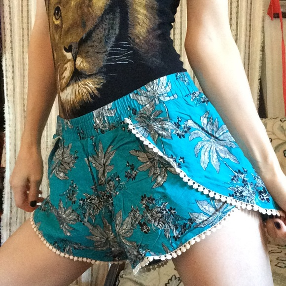iris Pants - Iris lace trimmed Teal a palm frond Shorts